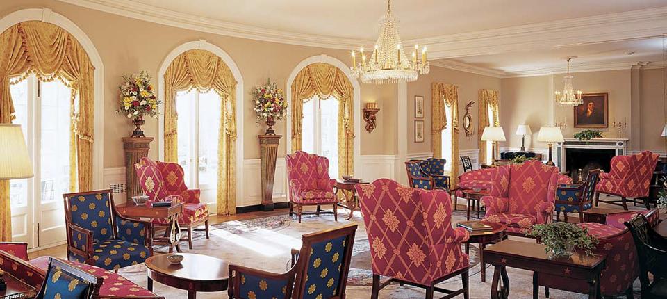 inn-lobby